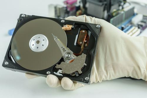 ¿Por qué la recuperación de datos en SSD es más compleja que en HDD?