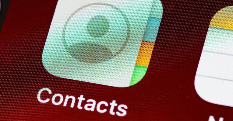 Cómo hacer una copia de seguridad de los contactos en el iPhone